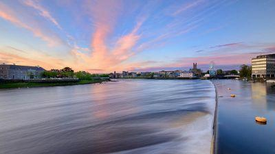 Limerick City of possibilities that still flows towards the Atlantic. (Piotr Machowczyk)