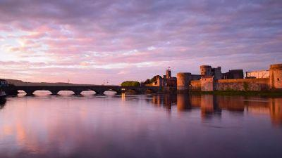 This photograph envelops the focal point of our great city. It signifies a warm embrace from the cultural epicentre of Limerick to those from near and far away. The colour tone of the long exposure intensifies the evocative embrace of Limericks historical splendour. (Ewan Fenton)