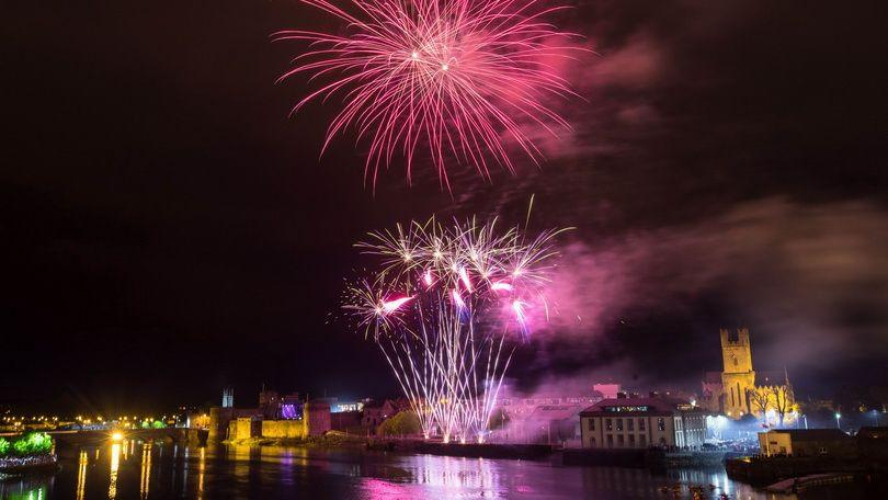 The skies of Limerick were transformed into an explosion of colour during the Riverfest 2018 fireworks extravaganza over the Shannon. Photo:  Sean Curtin True Media
