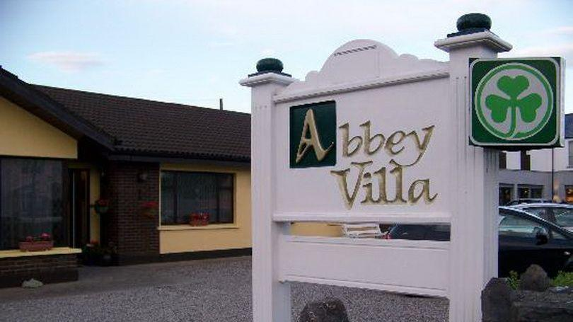 Abbey Villa 810 x 456