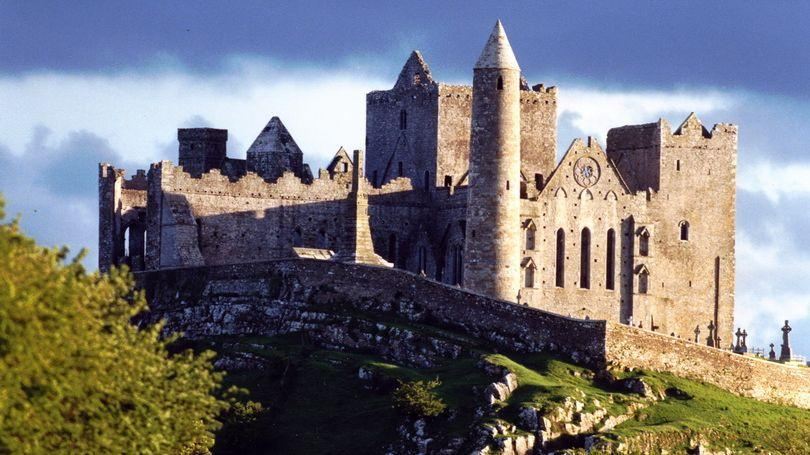 Rock of Cashel 810 x 456