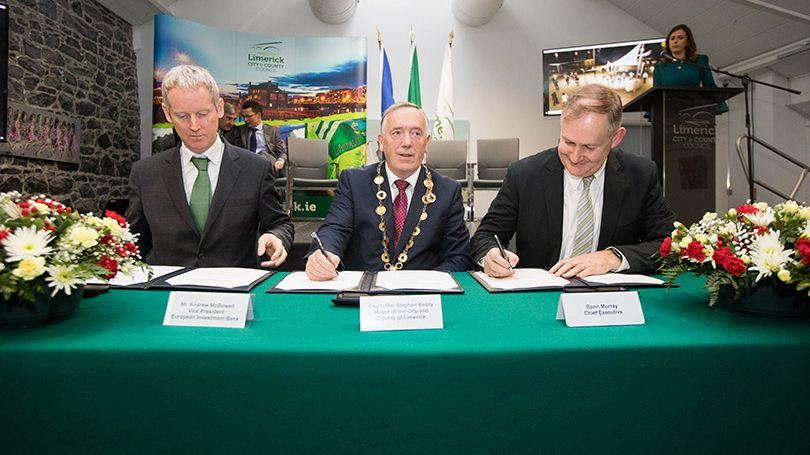 Andrew McDowell, Vice President of the European Investment Bank, Stephen Keary, Mayor of the City and County of Limerick and Conn Murray, Chief Executive of Limerick City and County Council. Photo: Sean Curtin True Media