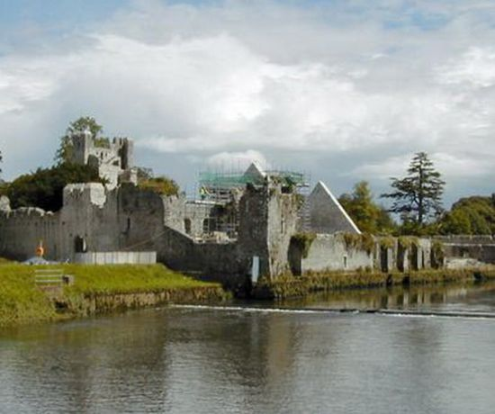 Adare Village & Riverbank Walk 810 x 456