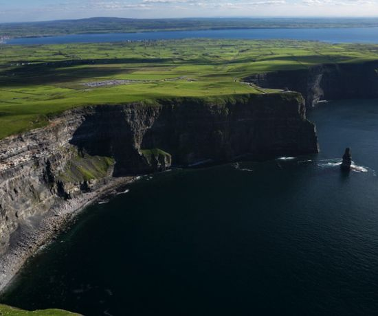 Cliffs of Moher 810 x 456