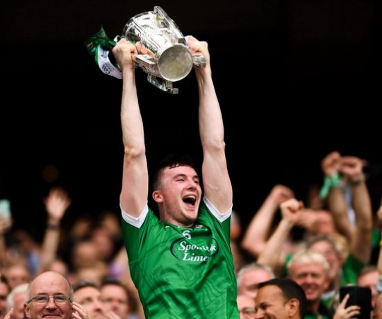 Declan Hannon of Limerick lifts the Liam McCarthy Cup following the GAA Hurling All-Ireland Senior Championship Final match between Galway and Limerick at Croke Park in Dublin. Photo by Stephen McCarthy/Sportsfile